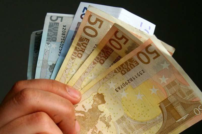 Κοινωνικό Μέρισμα: Ποιοι θα πάρουν τα 1.000 ευρώ