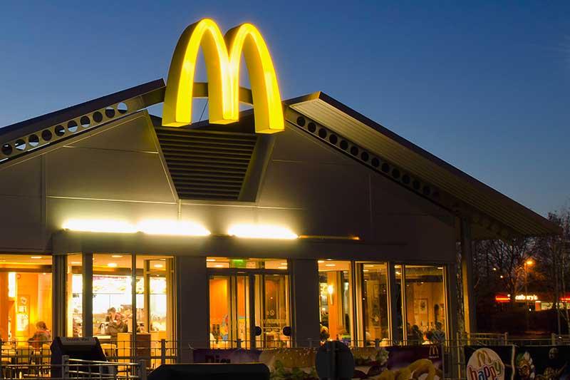 Υπάλληλος από McDonald's αποκαλύπτει τι δεν πρέπει να παραγγείλετε ποτέ