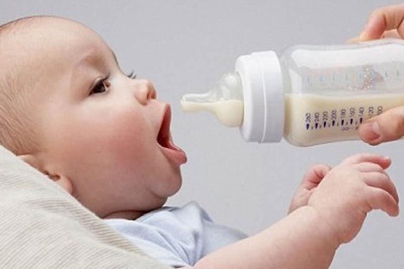 Ανησυχία για το βρεφικό γάλα με σαλμονέλα: Ανάκληση παρτίδας Frezylac από τον ΕΟΦ