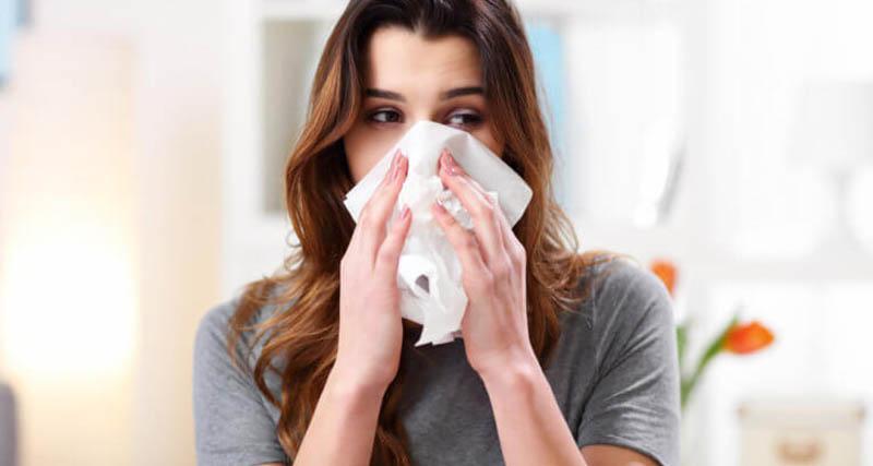 Ετσι ξεχωρίζουμε τη γρίπη από το κοινό κρυολόγημα – Οι βασικές διαφορές