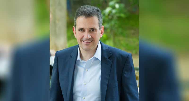 Δημήτρης Κάρναβος για την επίθεση στα γραφεία του ΣΥΡΙΖΑ στην Καλλιθέα: «Η βία δεν έχει καμία θέση στη δημοκρατία μας»