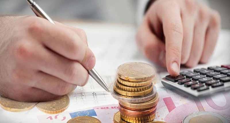 Πώς θα μειώσετε τον φόρο εισοδήματος μέσω χρηματικών δωρεών