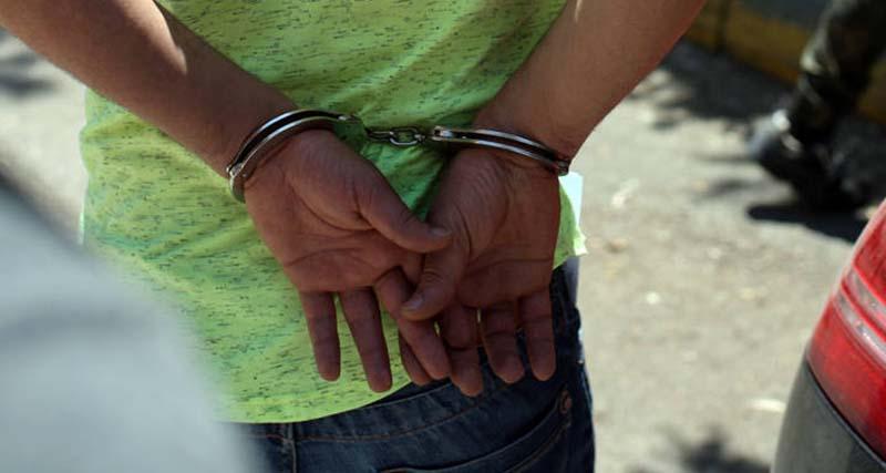 Ανήλικος συνελήφθη για κλοπές στην Καλλιθέα και άλλες περιοχες