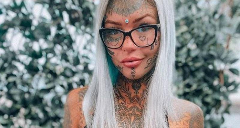 Μοντέλο έμεινε τυφλό κάνοντας τατουάζ στα μάτια