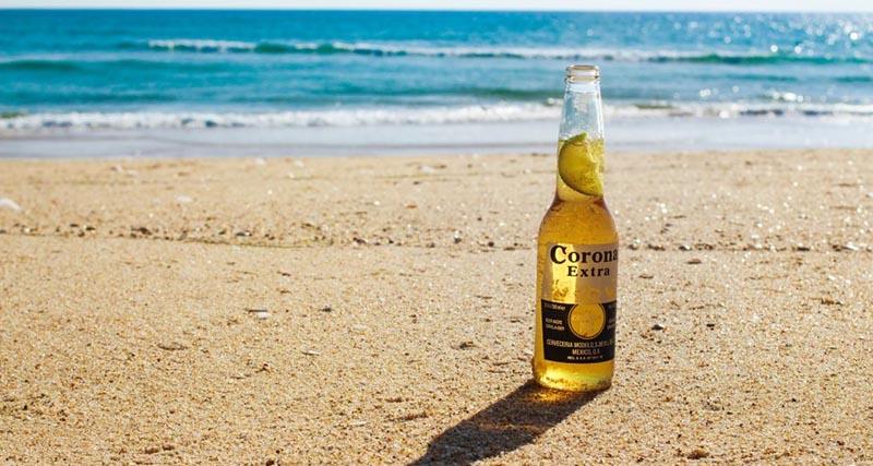 Μια μπίρα τη μέρα τον κορονοϊό κάνει πέρα: Στο «θεό» οι αναζητήσεις της μπίρας Corona στο Google