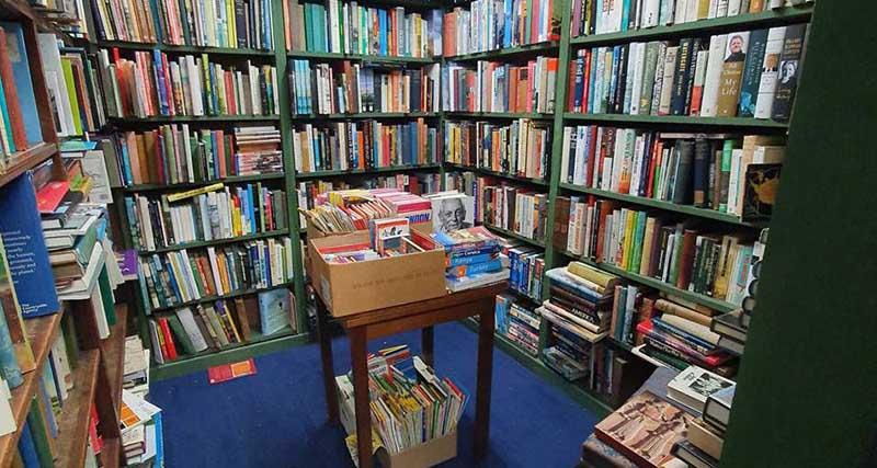 Βιβλιοπωλείο «τρελάθηκε» στις παραγγελίες μετά από tweet υπαλλήλου